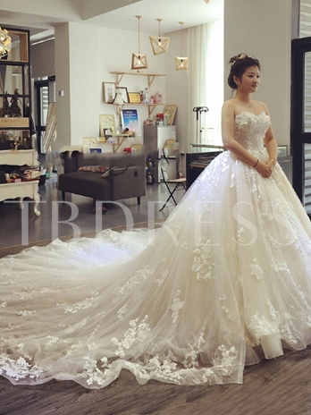 Sweetheart Appliques Ball Gown Cathedral Wedding Dress