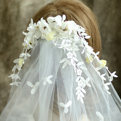 White Lace Flowers Wedding Tiara