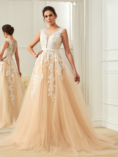 Appliques Button With Gauza Scoop Neck Court Train Wedding Dress