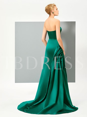 A-Line Sweetheart Pick-Ups Ruched Sweep Train Evening Dress