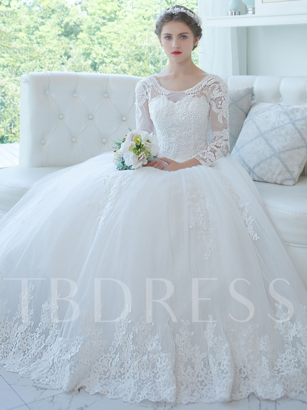 Long Sleeves Ball Gown Wedding Dress Scoop Neck Appliques