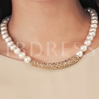 Graceful Artificial Pearls Short Necklace