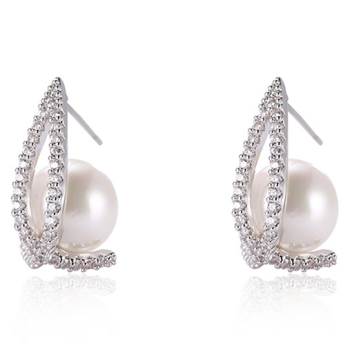 Rhinestone and Pearl Inlaid Anti Allergy Stud Earrings