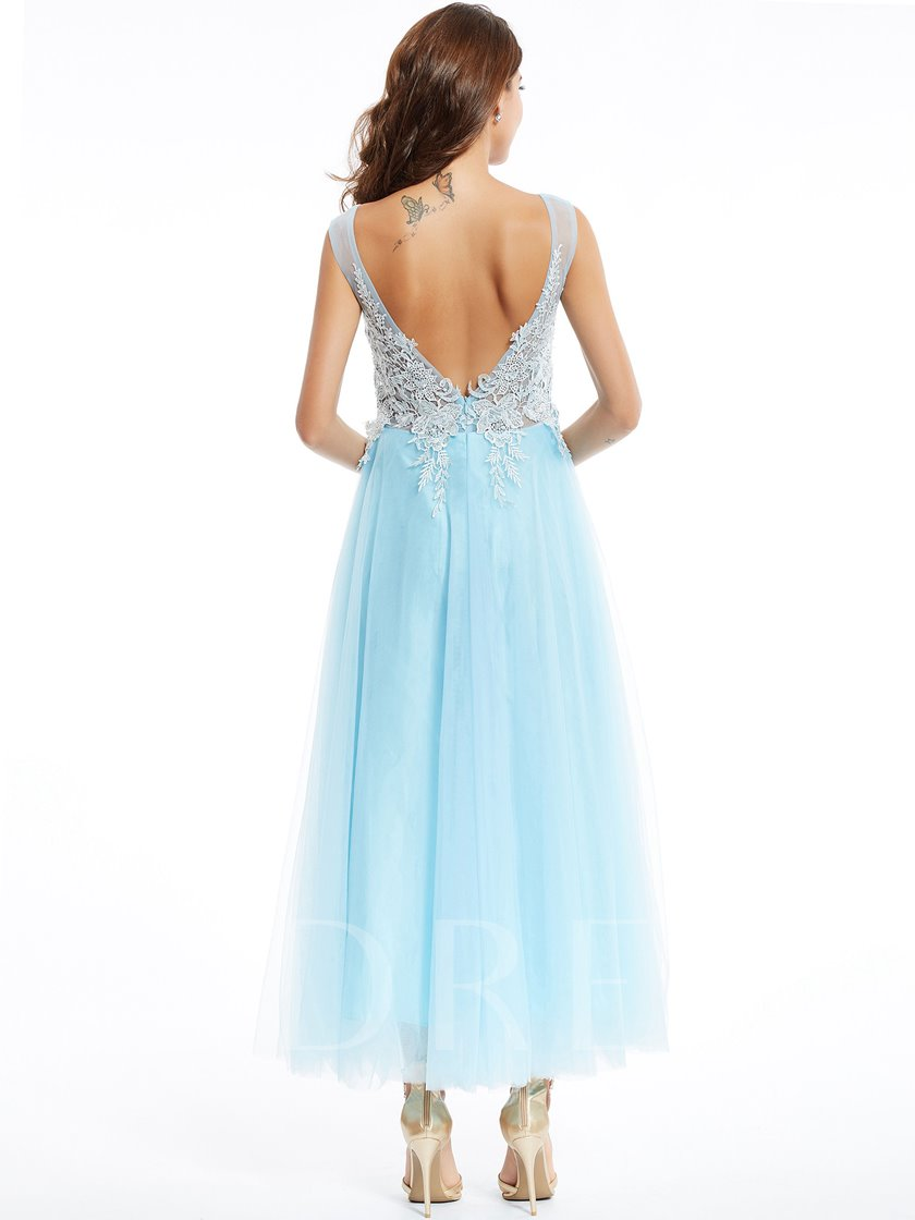 Scoop Neck Zipper-Up Appliques A-Line Evening Dress