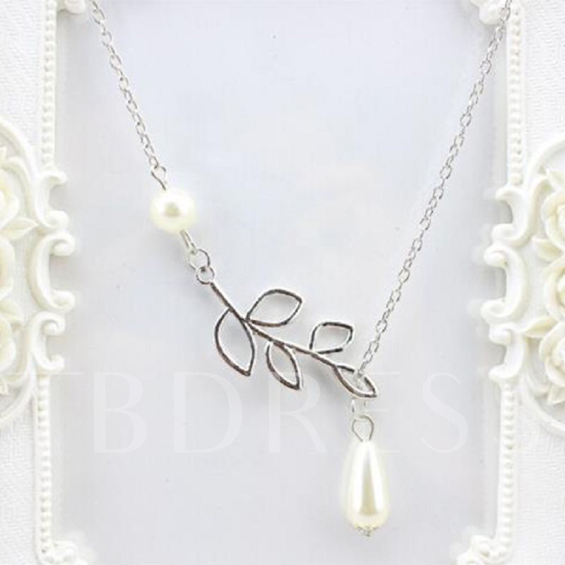 Silver Leaf Pearl Pendant Necklace