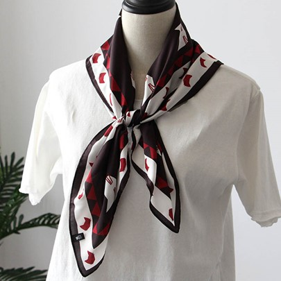 Thin Red Cat's Face Printed Square Scarf