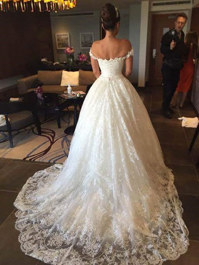 Ball Gown Appliques Off the Shoulder Wedding Dress Ball Gown Appliques Off the Shoulder Wedding Dress