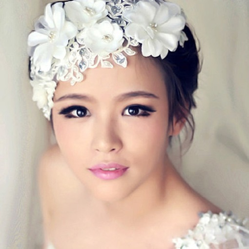 White Lace Flowers Bridal Headwear