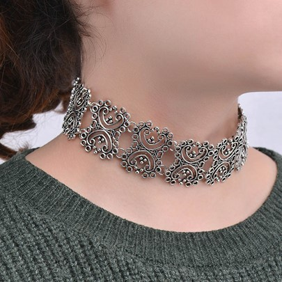 Antique Silver Carved Exaggerated Alloy Choker Necklace