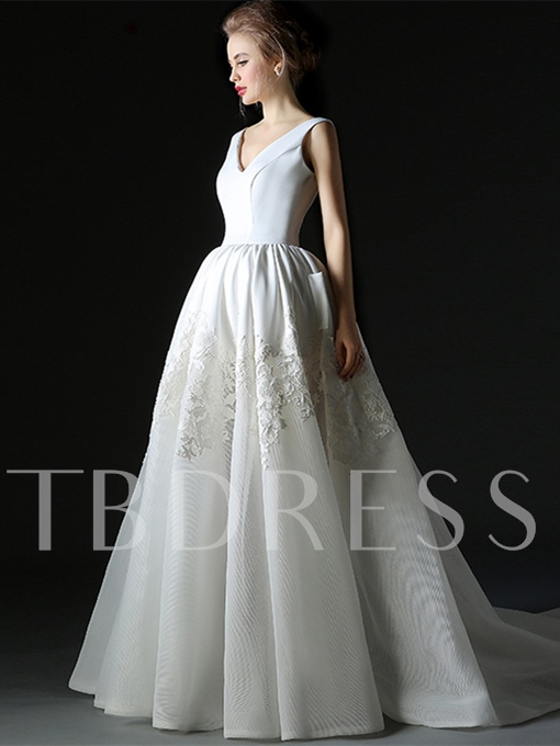 Lace V-Neck Ball Gown Court Train Quinceanera Dress