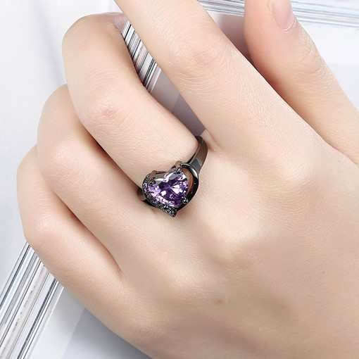 Heart-Shaped Purple Zircon Black Gun Ring