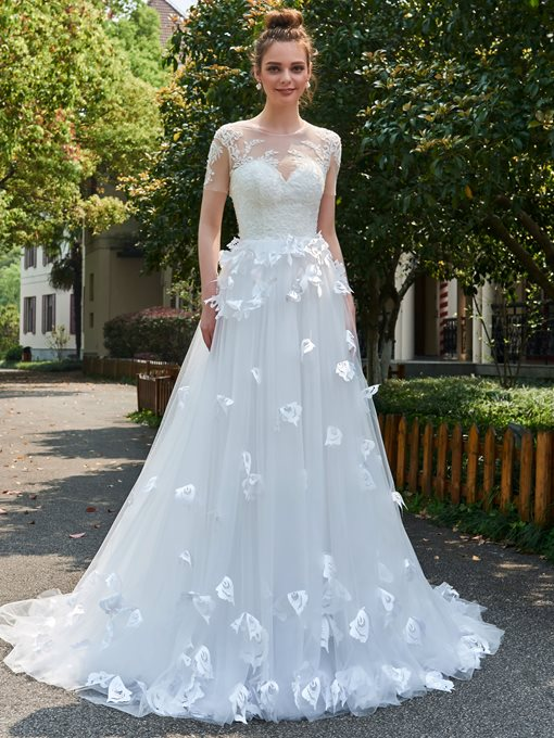 Scoop Neck Appliques Short Sleeves Wedding Dress