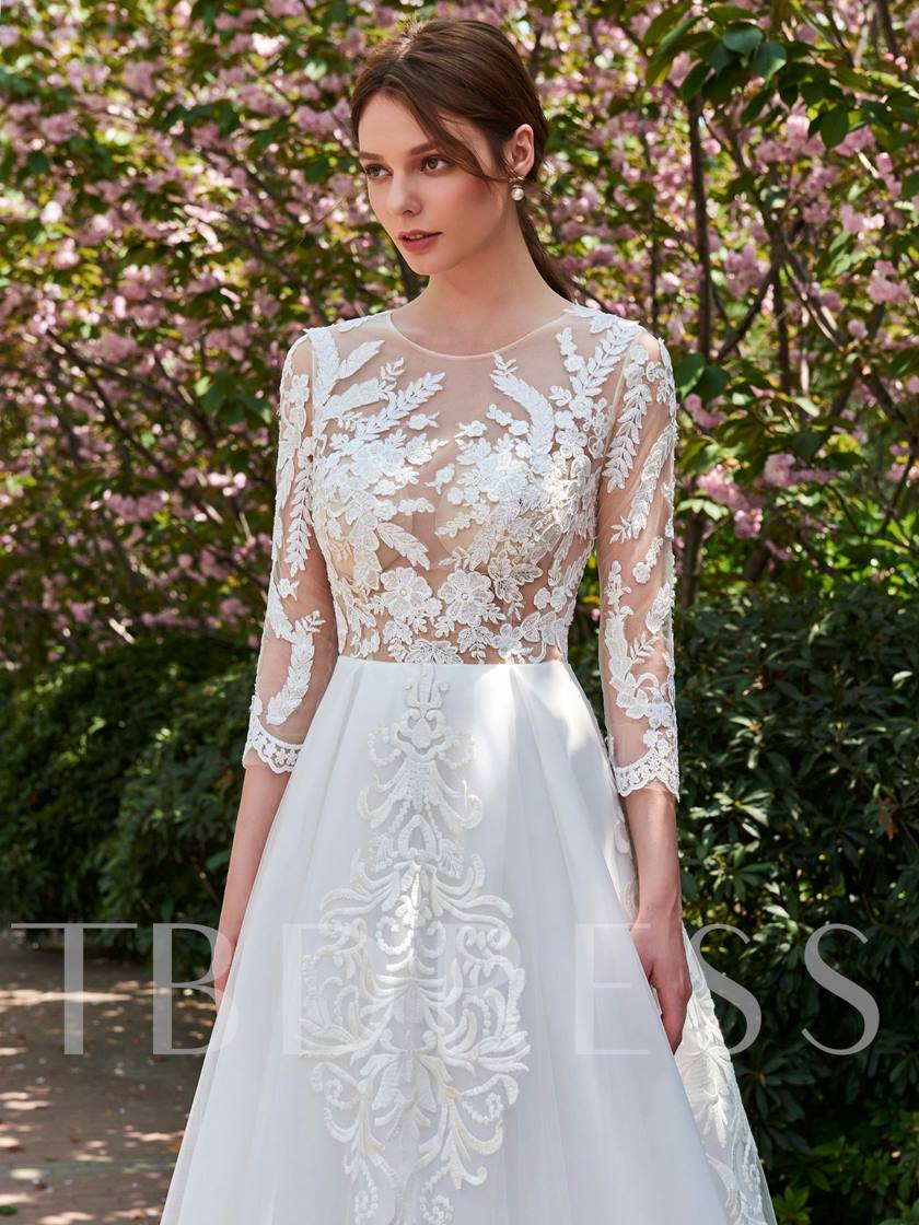 Scoop Neck Appliques 3/4 Length Sleeves Backless Wedding Dress