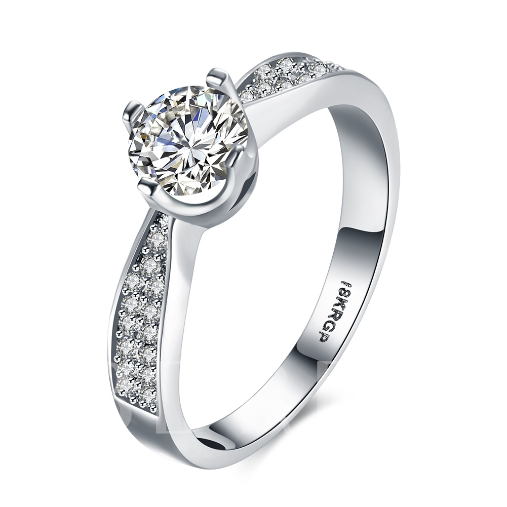 Charming Four Claws Round Zircon Women's Ring