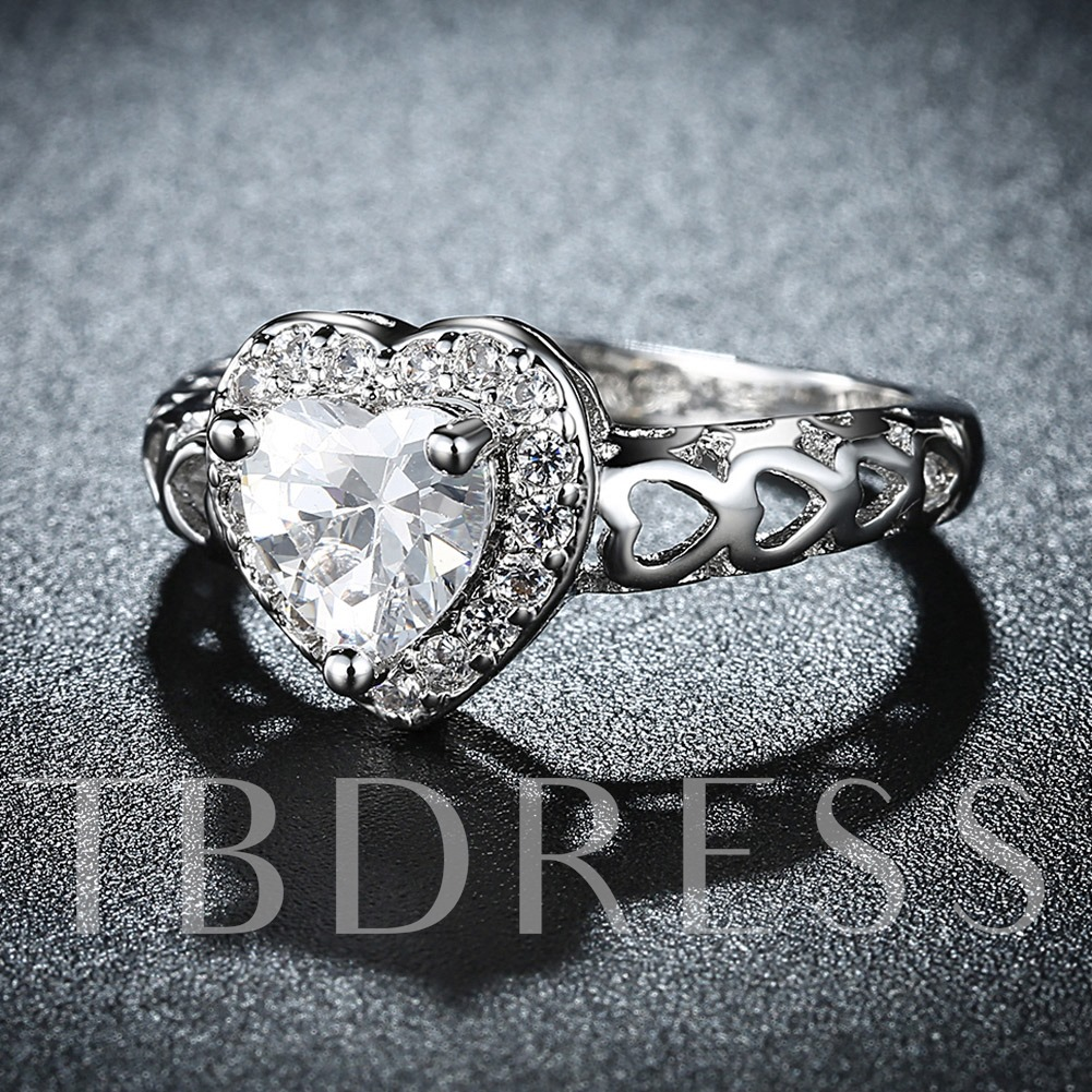 Elegant Rhinestoned Heart-Shaped Ring
