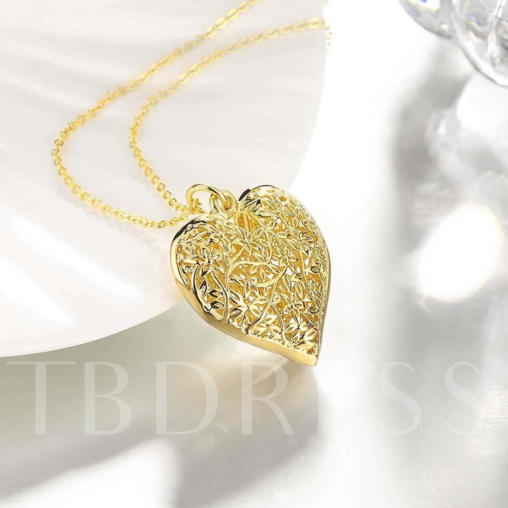 Hollow Flowers Carved Heart-Shaped Necklace