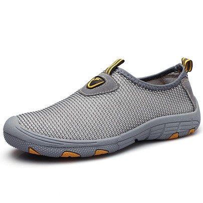 Outdoor Mesh Slip-On Men's Hiking Shoes