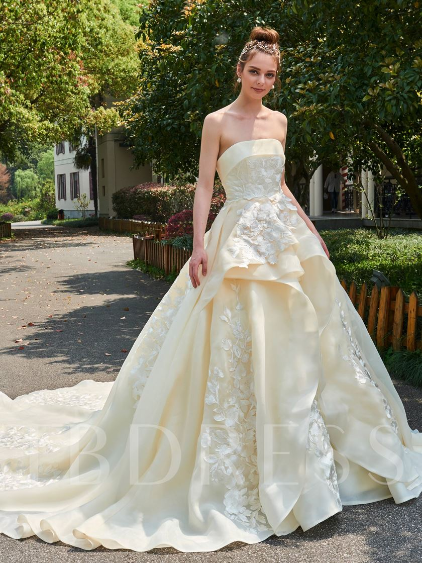 Strapless Appliques Lace-Up Ball Gown Wedding Dress