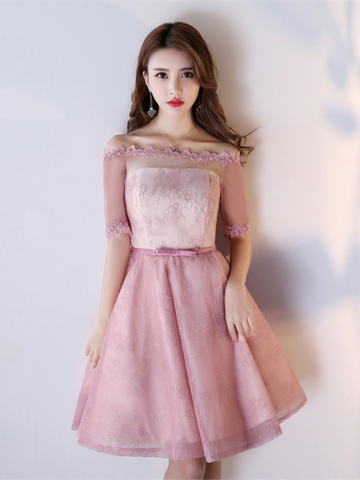 Off-the-Shoulder Appliques Lace A-Line Bowknot Sashes Homecoming Dress