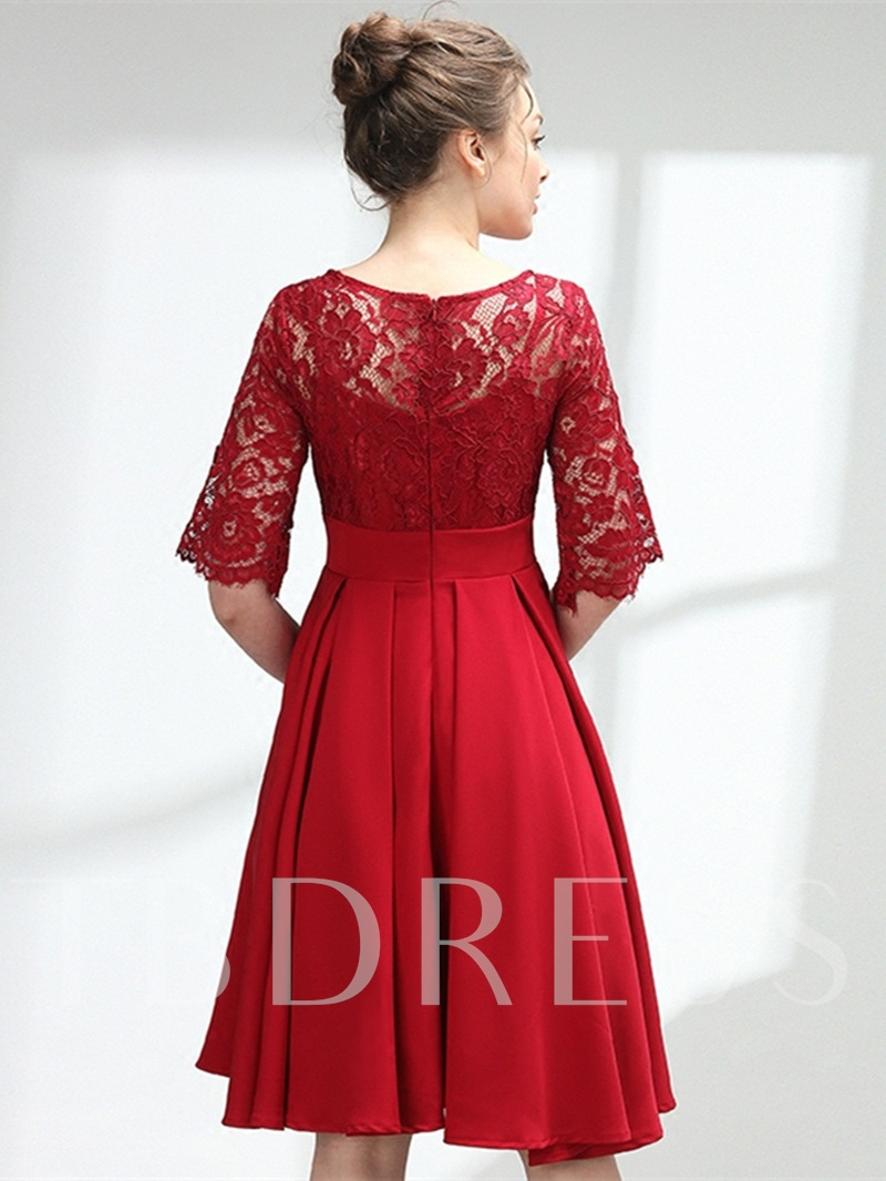A-Line Lace Scoop Knee-Length Homecoming Dress