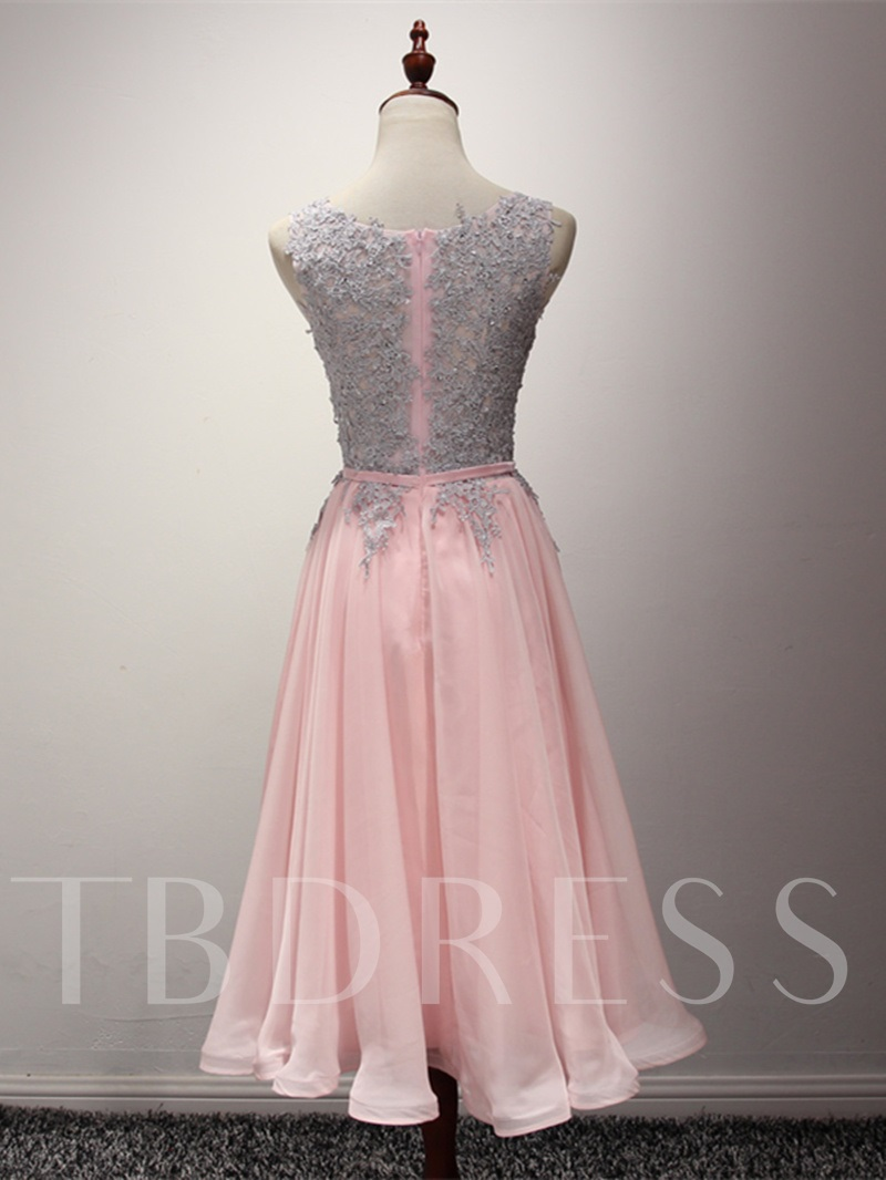 A-Line Appliques Ribbons Scoop Knee-Length Homecoming Dress