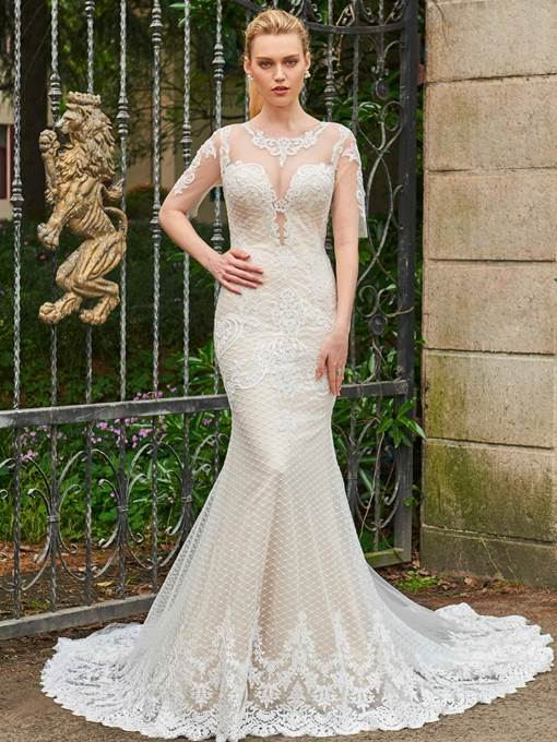 Half Sleeves Scoop Neck Appliques Lace Wedding Dress