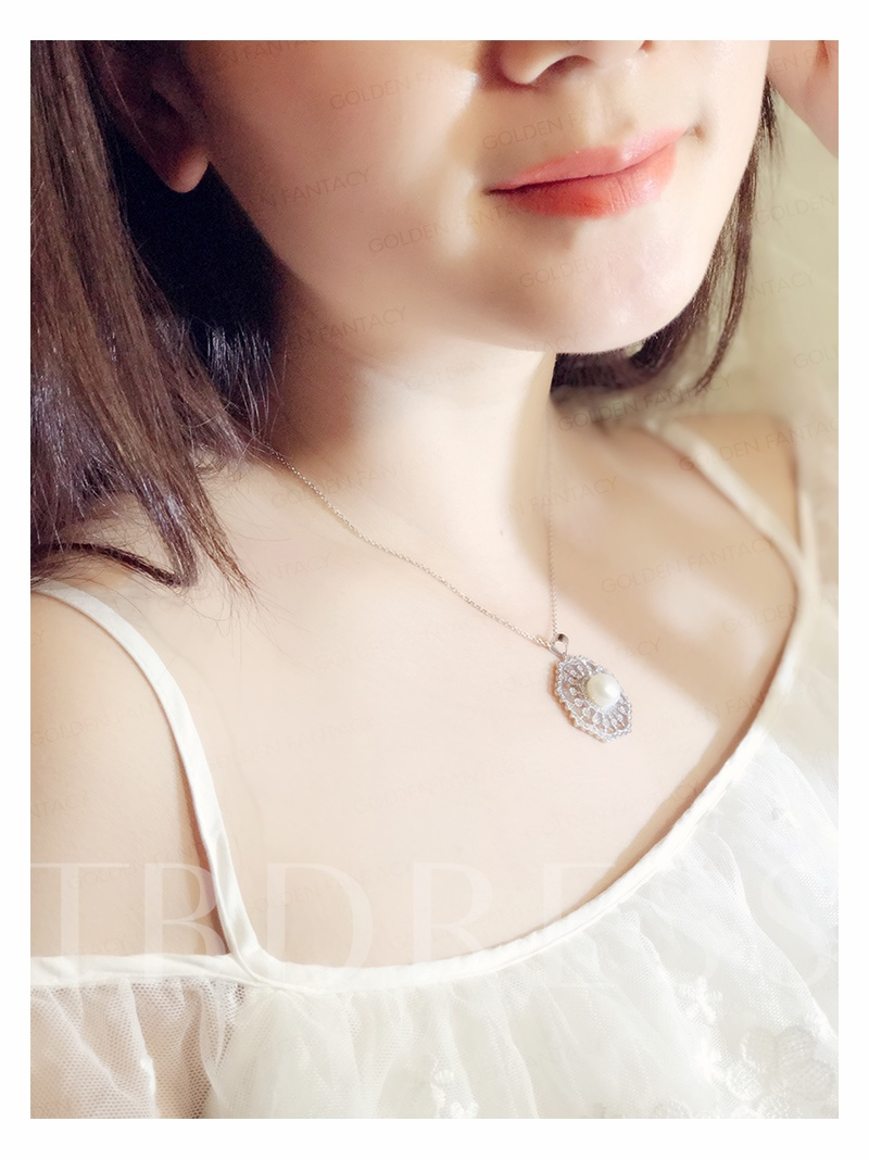 Pearl S925 Zircon Inlaid Hollow Flower Shaped Out Necklace
