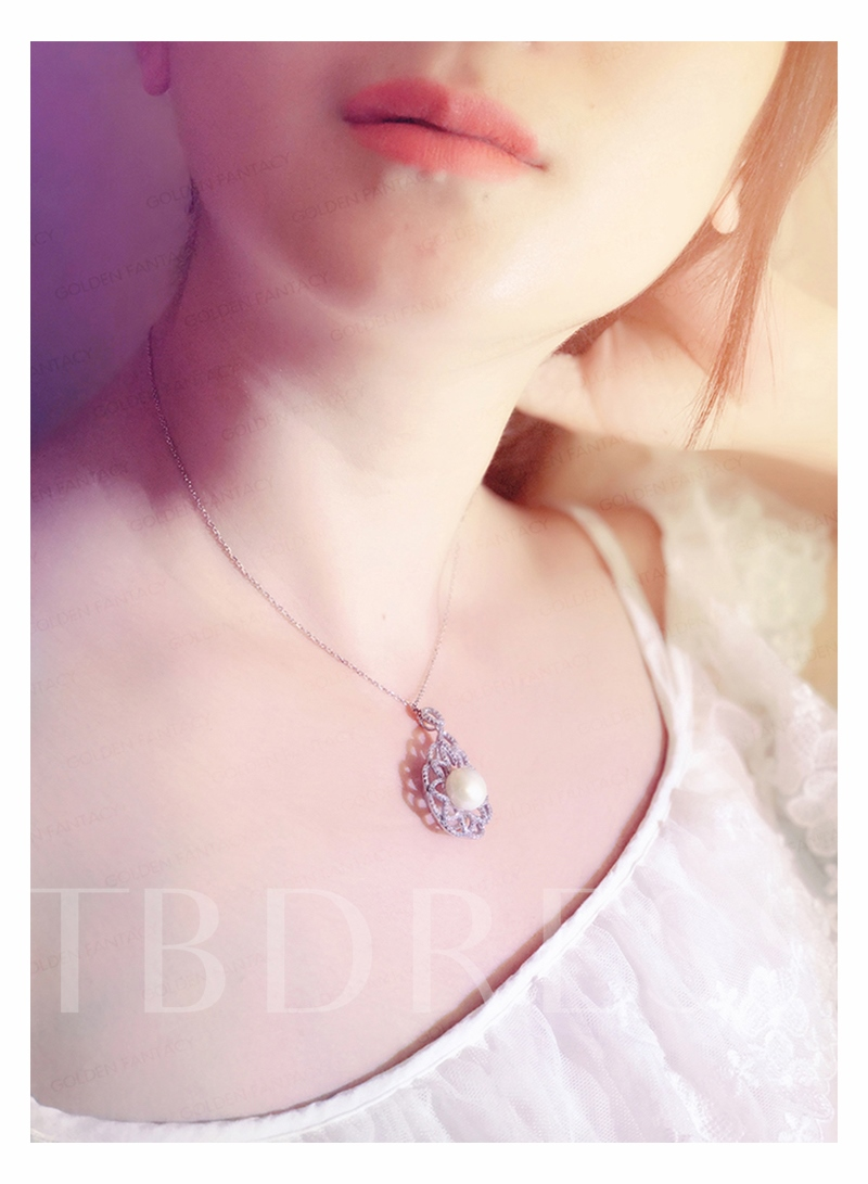 Pearl Diamante S925 Flower Shaped Necklace