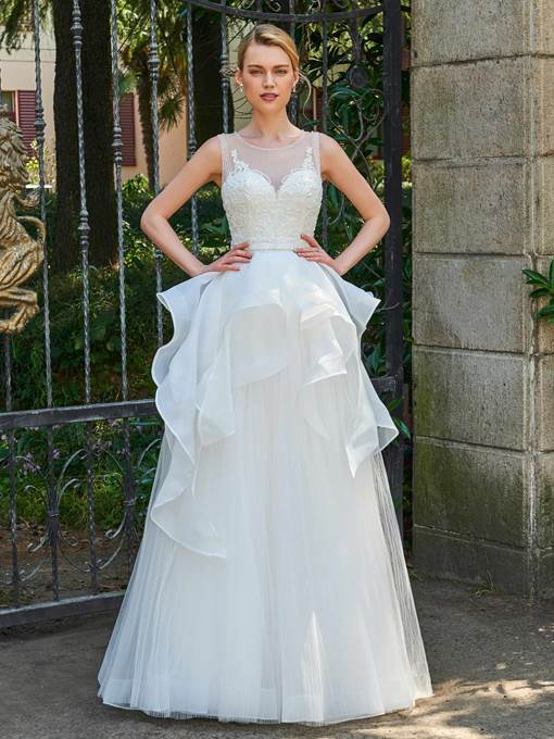 Scoop Neck Beading Button Long Wedding Dress