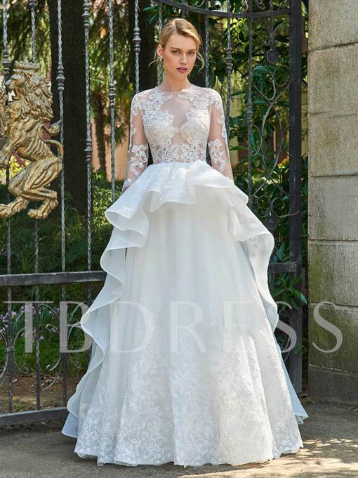 Long Sleeves Jewel Neck Appliques Wedding Dress