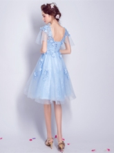 A-Line Appliques Flowers Lace Pearls V-Neck Knee-Length Homecoming Dress