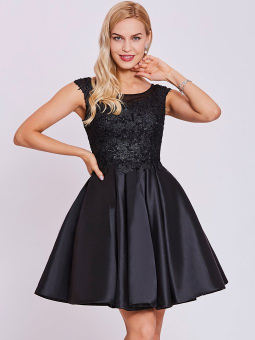 Scoop Neck Lace Appliques A Line Cap Sleeves Homecoming Dress