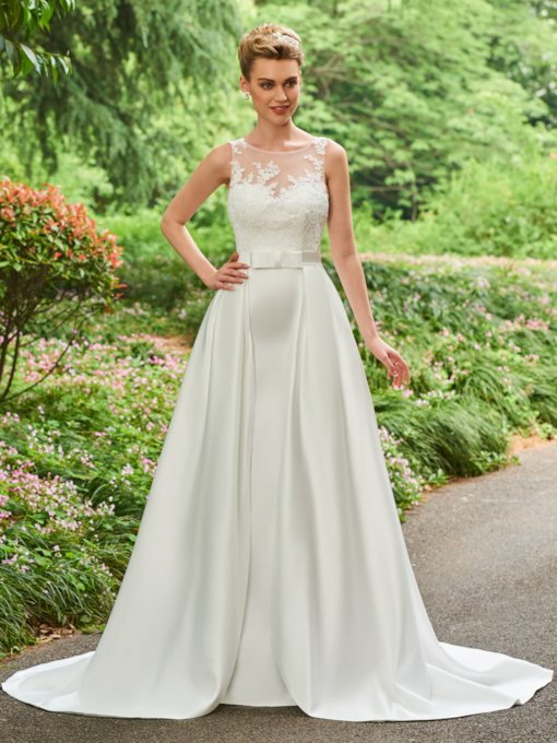 A-Line Appliques Bowknot Button Wedding Dress