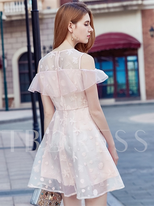 Sweet A-Line Lace Scoop Embroidery Short Homecoming Dress