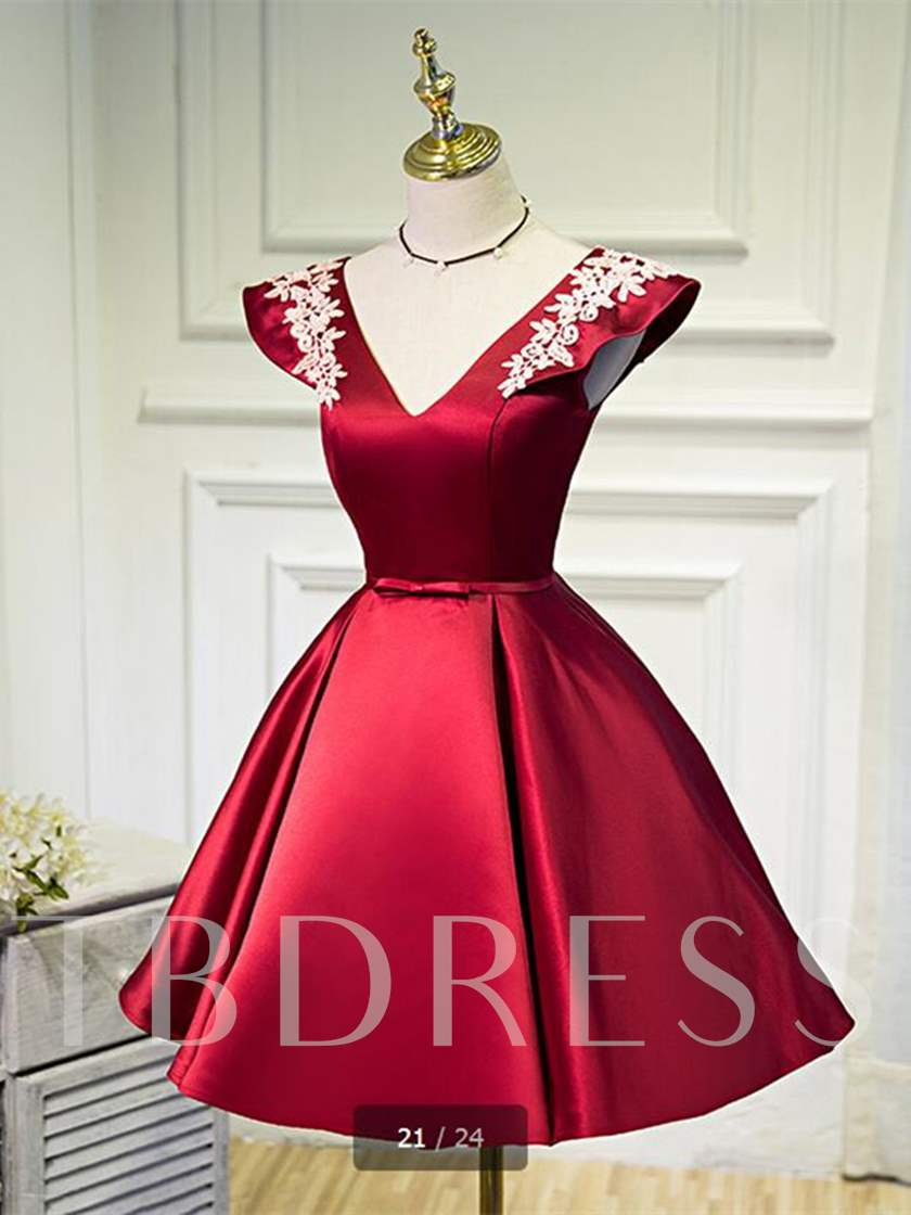 V-Neck A-Line Appliques Flowers Short Sleeves Mini Homecoming Dress