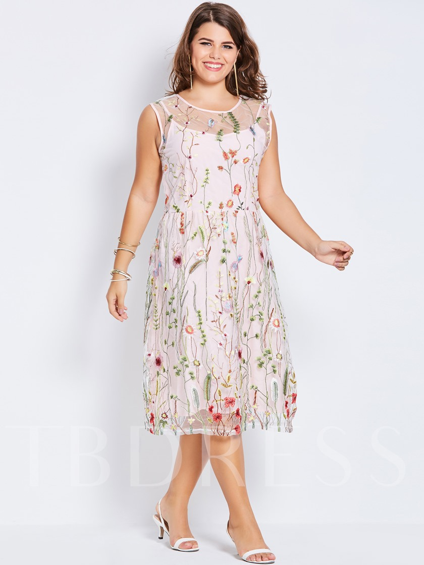 Plus Size Embroidery A-Line Floral Plus Size Women's Day Dress