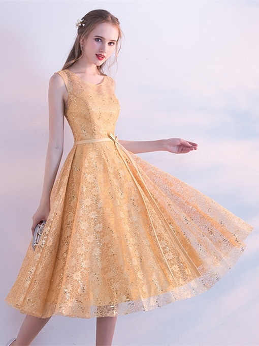 A-Line Scoop Lace Sashes Sequins Tea-Length Homecoming Dress