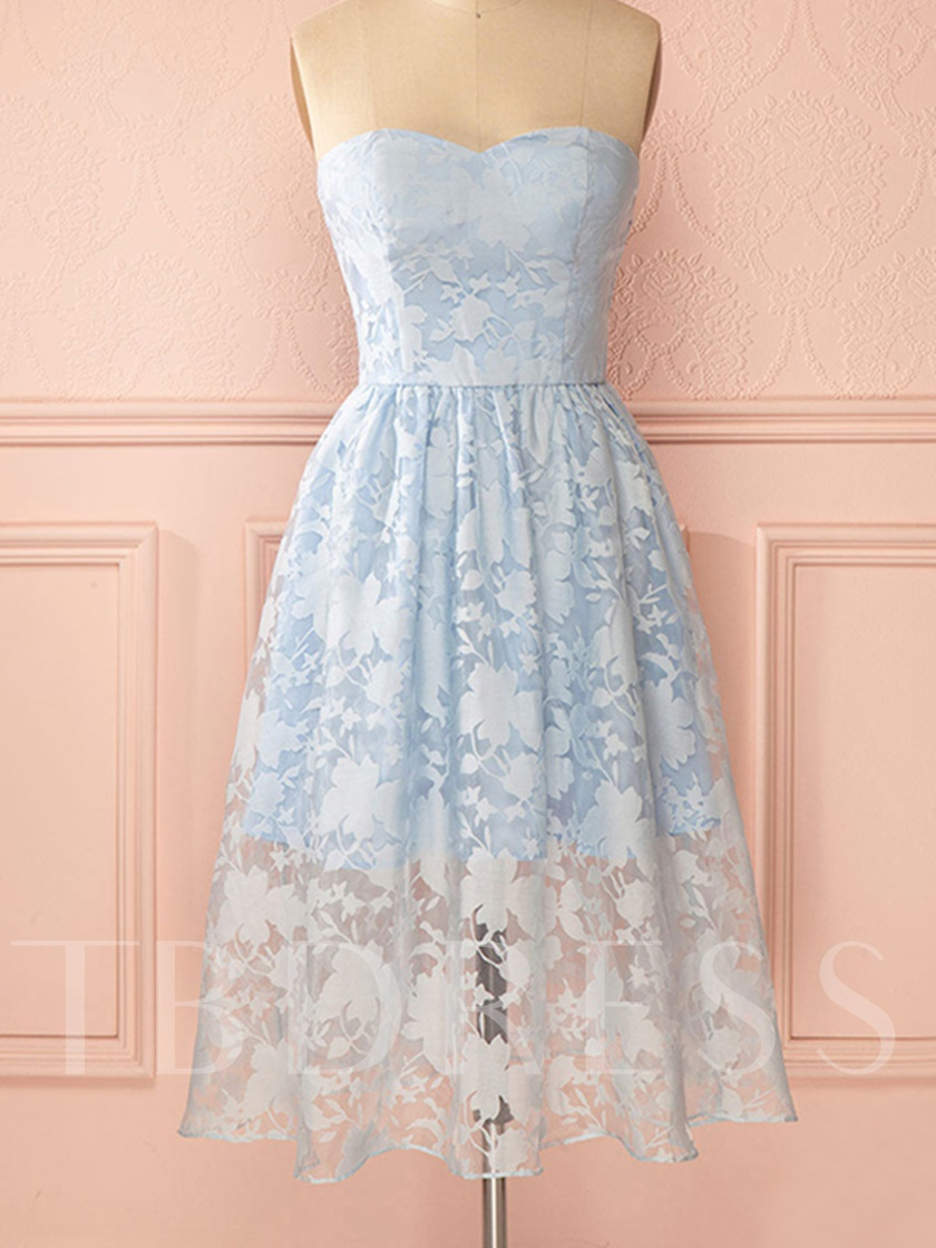 A-Line Sweetheart Appliques Bowknot Lace Knee-Length Homecoming Dress