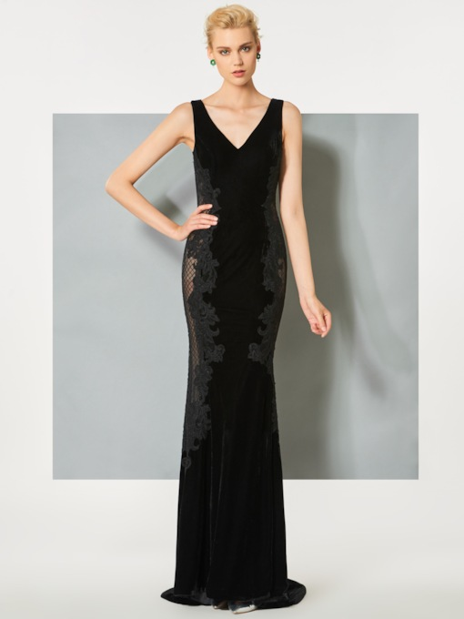 V-Neck Trumpet Button Velvet Appliques Brush Train Evening Dress