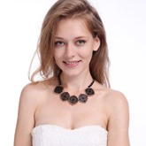 Rhinestone Floral Shaped Hollow Out Necklace