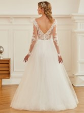 V-Neck Long Sleeves Appliques Zipper-Up Wedding Dress