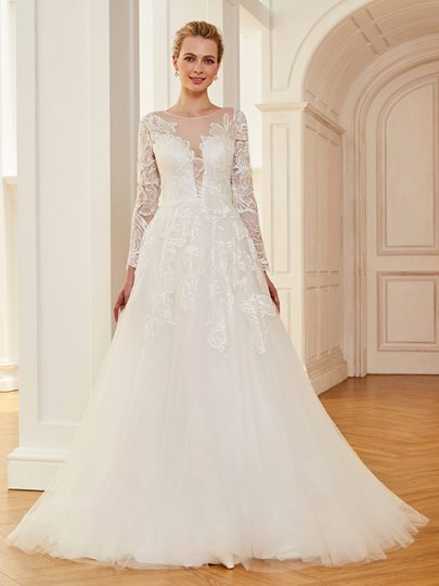 Long Sleeves Appliques Button Back Wedding Dress Long Sleeves Appliques Button Back Wedding Dress