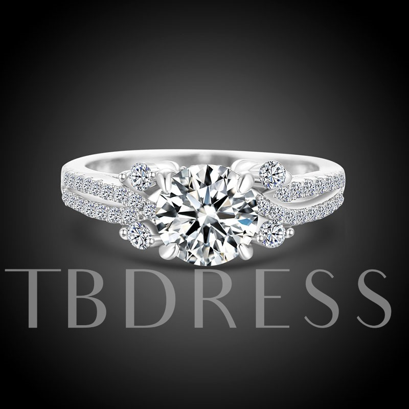 Round Cut Zircon Inlaid Diamond-Shaped Sterling Silver Ring