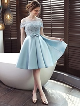 Scoop A-Line Appliques Bowknot Sashes Knee-Length Homecoming Dress