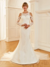Long Sleeve Appliques Lace Open Shoulder Wedding Dress