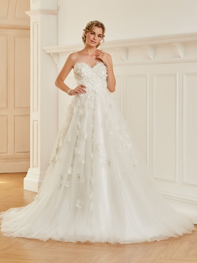 Sweetheart Flowers Appliques Wedding Dress