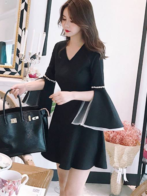 Bell Sleeve Black Women's Day Dress