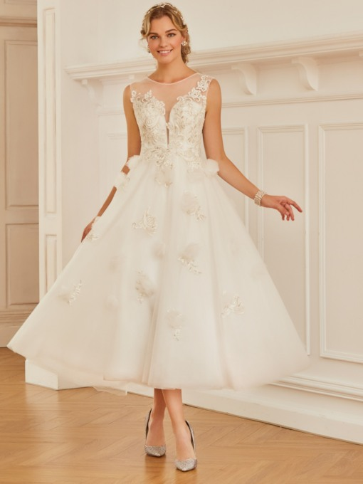 Scoop Neck Appliques Tea-Length Wedding Dress