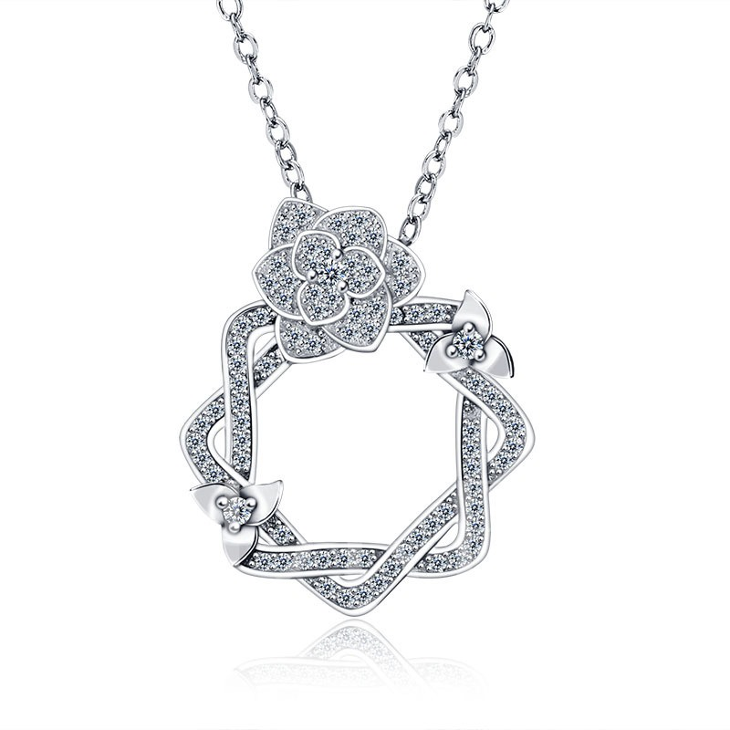 MarkChic Gardenia Flower Diamante Hollow Out Necklace