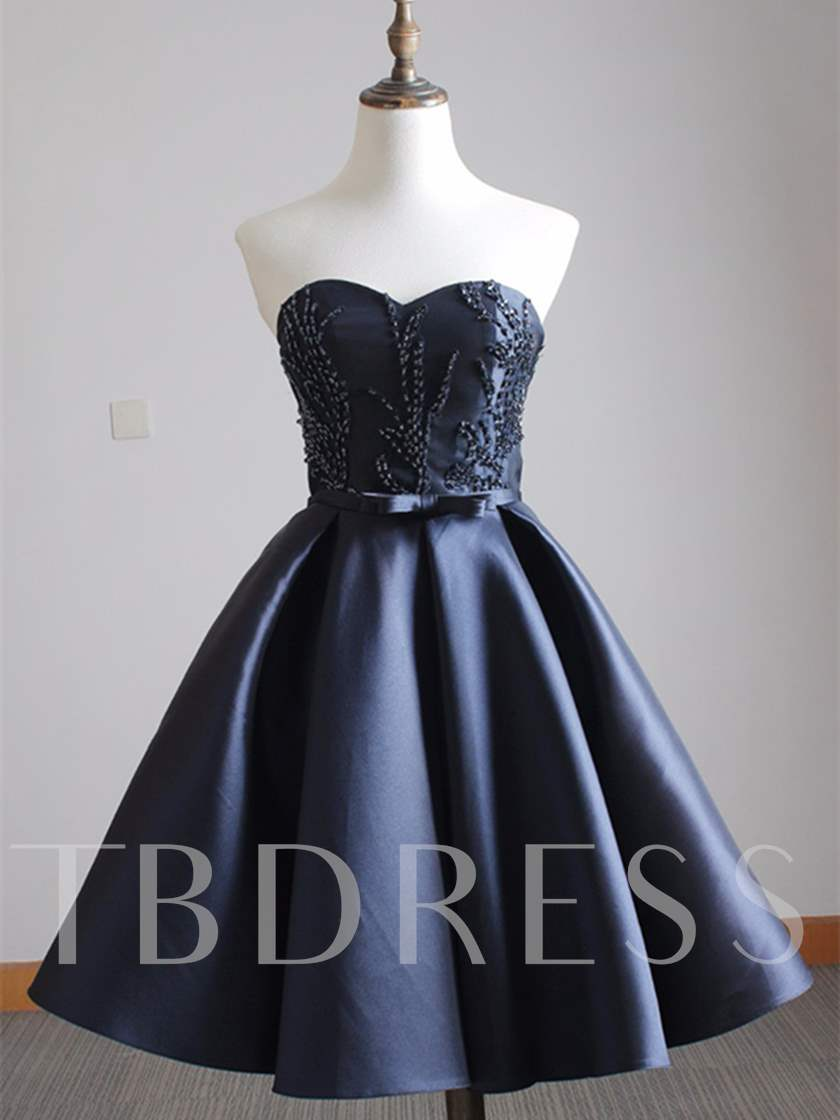 A-Line Sweetheart Appliques Beading Sequins Short Homecoming Dress